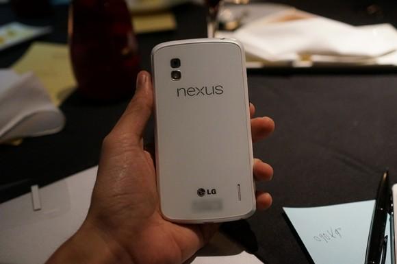 lg_nexus_4_white_leak_1-580x385