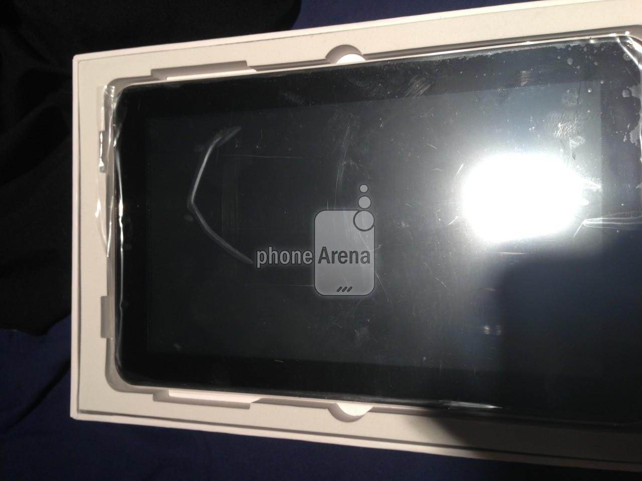 Samsung-Galaxy-Tab-3-tablet-box-jpg