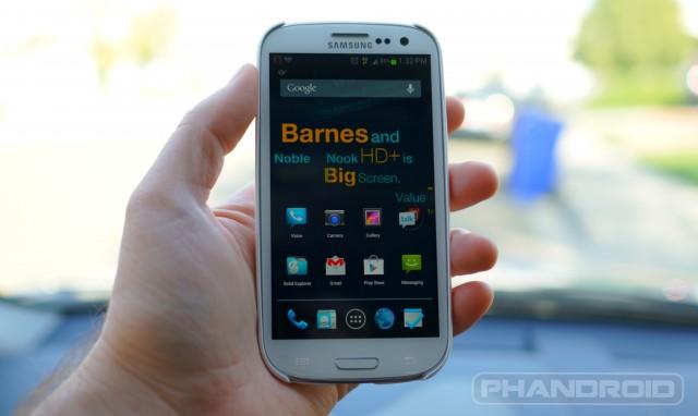 Samsung-Galaxy-S3-random-wm-640x382